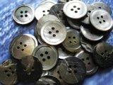 黒蝶貝 定番の17型 4穴 23mm 30個セット
