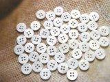 淡水真珠貝 ボタン 4穴 定番の17型★ 真っ白 ★15mm 50個セット