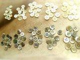 最高級黒蝶貝、高瀬貝 定番のNo.17型 4穴 小さいサイズ各10個ずつ 計100個 半額ご奉仕