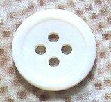 真っ白な 淡水真珠貝 SH-2204 4穴